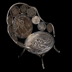 Coin Chair (2/3)