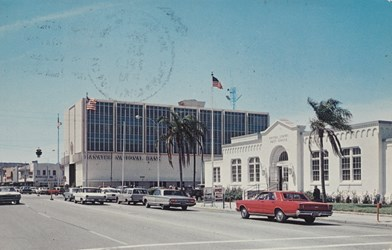 Manatee Avenue, Bradenton, Florida showing United States Post Office at right.