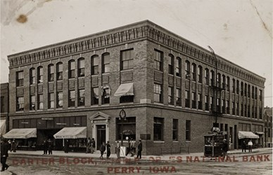 Carter Block, Home of the Peoples National Bank, Perry, Iowa