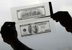 IN PICTURES: HOW TO TELL IF MONEY IS COUNTERFEIT