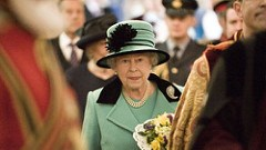 QUEEN DISTRIBUTES COINS IN TRADITIONAL MAUNDY THURSDAY CEREMONY