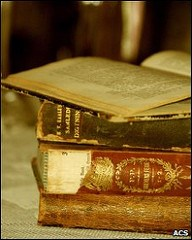 ARTICLE: SNIFF TEST TO PRESERVE OLD BOOKS