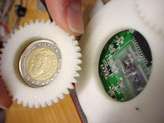 SPANISH SCIENTISTS TRAIN MOUSE TO DETECT COUNTERFEIT COINS