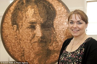 BRITISH ARTIST CREATES PORTRAIT OUT OF PENNIES