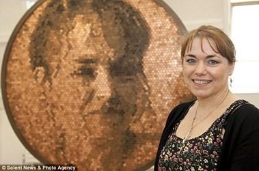 BRITISH ARTIST CREATES PORTRAIT OUT OF PENNIES