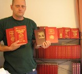 ARTICLE SPOTLIGHTS RED BOOK COLLECTOR SCOTT WHITE