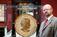 THE WORLD�S LARGEST GOLD COIN TO BE AUCTIONED