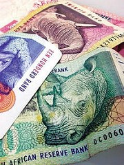 CONFUSION REIGNS AS SOUTH AFRICA OUTLAWS OLD BANKNOTES