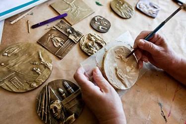 ARTICLE PROFILES MEDALLIC ARTIST IVANKA MINCHEVA