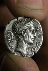 METAL DETECTORIST FINDS UNUSUAL COUNTERFEIT ROMAN COIN