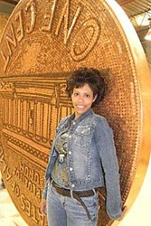 MICHIGAN MOM'S GIANT PENNY: IS IT ART?