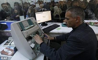 GADDAFI'S LIBYA BANKNOTE ORDER FOILED BY PRINTER DE LA RUE