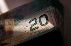 BANK OF CANADA SWITCHING TO POLYMER NOTES