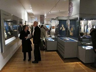 THE ASHMOLEAN MUSEUM COIN GALLERY