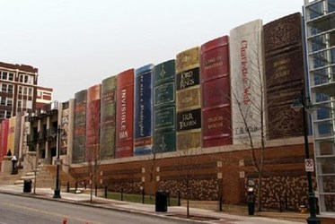 THE LIBRARY THAT LOOKS LIKE A BOOKSHELF