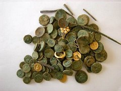 BAR-KOCHBA ERA TREASURE HOARD DISCOVERED