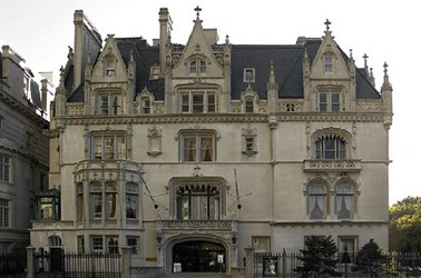 NEW YORK MANSION TO HOST NEWMAN II SALE
