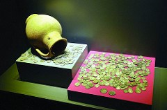 TURKISH MUSEUM EXHIBITS ANCIENT COINS