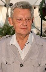 DR. ARIE KINDLER 1920-2014