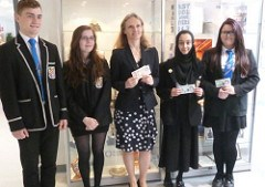 BANK OF ENGLAND CHIEF CASHIER VISITS STUDENTS