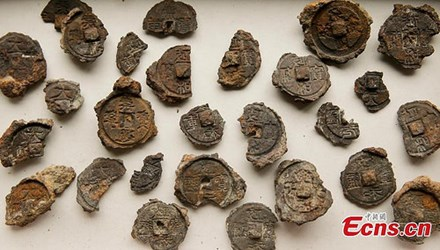 ANCIENT COIN MOLDS FOUND IN NORTH CHINA