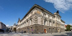 DRESDEN COIN CABINET REOPENS