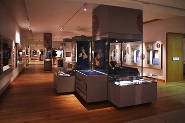 HOWARD BERLIN VISITS OXFORD'S ASHMOLEAN MUSEUM