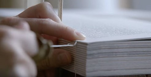 VIDEO: HOW BOOKS ARE PRINTED AND BOUND