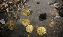 ISRAEL MUSEUM EXHIBITS UNDERWATER GOLD COIN FINDS