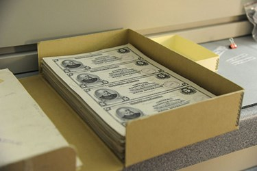 SMITHSONIAN DIGITIZES 270,000 BEP CERTIFIED PROOFS