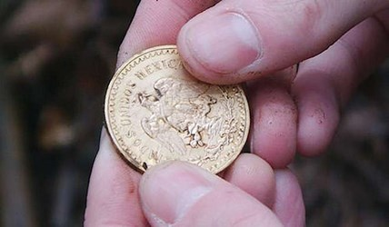 DETECTORISTS FIND HONG KONG PLANE CRASH COIN