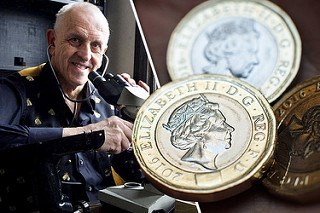 MICRO-PORTRAIT ARTIST EYES NEW POUND COIN