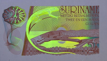 BANKNOTE FEATURES UNDER ULTRAVIOLET LIGHT