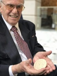 OSS WWII VET RECEIVES CONGRESSIONAL GOLD MEDAL