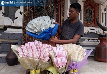 VALENTINE'S DAY WITH BANKNOTE BOUQUETS