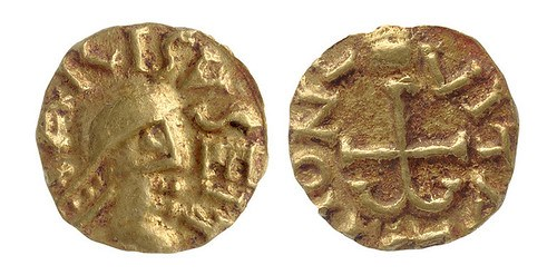 ANGLO-SAXON TOMB YIELDS COINS
