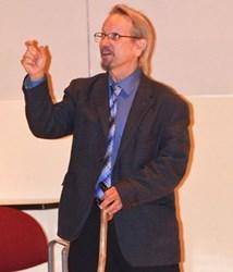 TREASURE HUNTER BOB EVANS SPEAKS TO STUDENTS