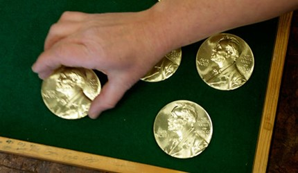 HOW THE NOBEL MEDALS ARE MADE