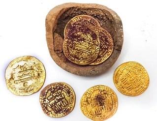 AGHLABID DYNASTY GOLD DINARS FOUND IN ISRAEL