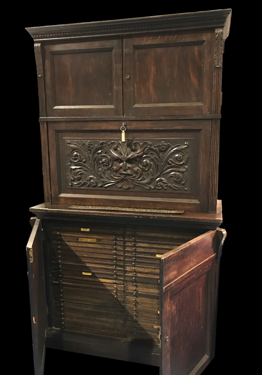 Raymond Cabinet