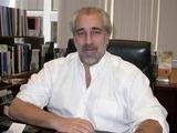 ARTICLE PROFILES ERROR DEALER FRED WEINBERG