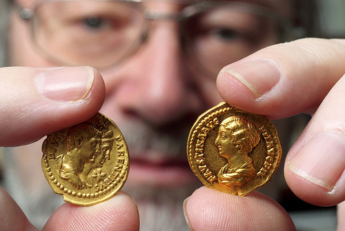 PHOTO: ROMAN GOLD COINS FOUND IN GERMANY